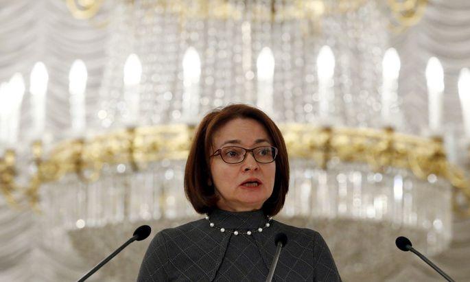 Zentralbank-Chefin Elvira Nabiullina räumt im männerdominierten Sektor auf.