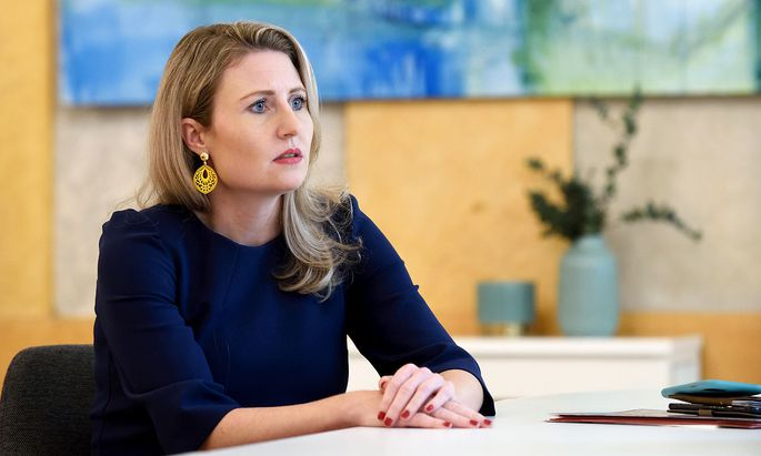 Integrationsministerin Susanne Raab kann die Vorwürfe wegen der Islam-Landkarte nicht nachvollziehen.