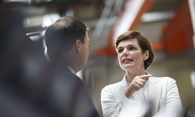 Parteivorsitzende Pamela Rendi-Wagner (r.) und stellvertretende Landeshauptmann der Steiermark, Michael Schickhofer (SPÖ)