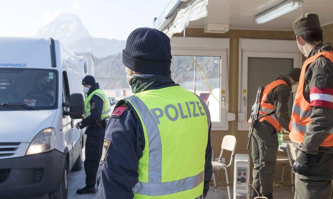 Ausreisekontrollen in Tirol, Bild vom Februar