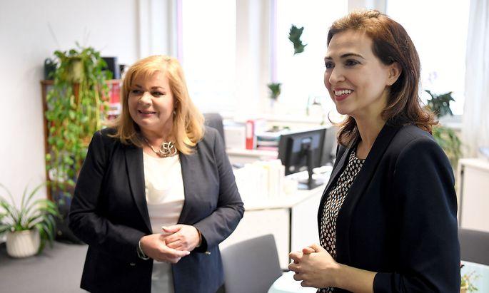 Bei ihrem Antrittsbesuch am Freitag stärkte Justizministerin Alma Zadić der WKStA den Rücken.