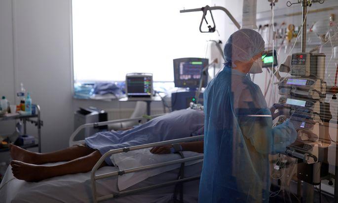 Eine Behandlung auf der Intensivstation ist für alle Beteiligten psychisch enorm belastend.