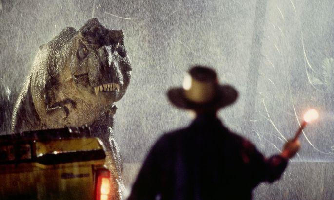 Im Film taucht der T. rex aus prasselndem Regen auf. Hat er es in der Realität auch getan?