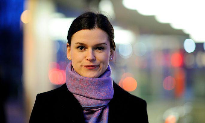 Nur die ersten Tage war sie sprachlos: Adisa Begić, die als Achtjährige aus Bosnien nach Österreich kam, hat Kommunikationswissenschaften studiert.