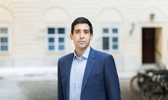 Dr. Sebastian Bohrn Mena Thalhammer Politik Sonntag by Akos Burg Schottenhof 1010