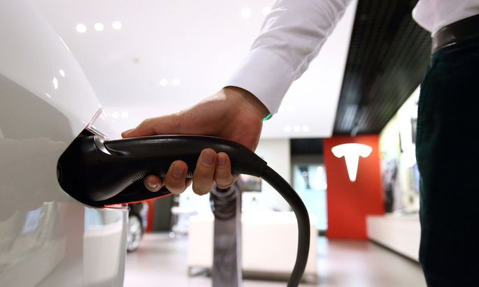 Der E-Autobauer Tesla war vor 9,7 Jahren bereits sechs Monate lang an der Börse.