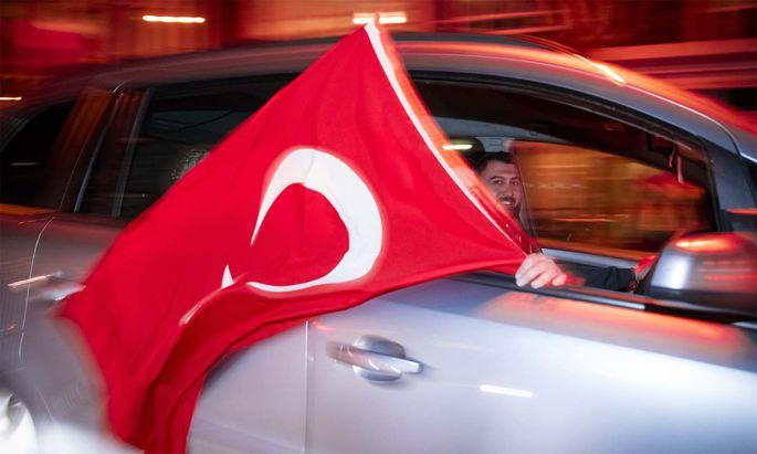 Symbolbild türkische Flagge