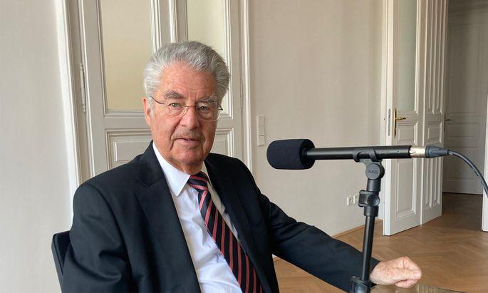 Altbundespräsident Heinz Fischer beim Podcast-Interview