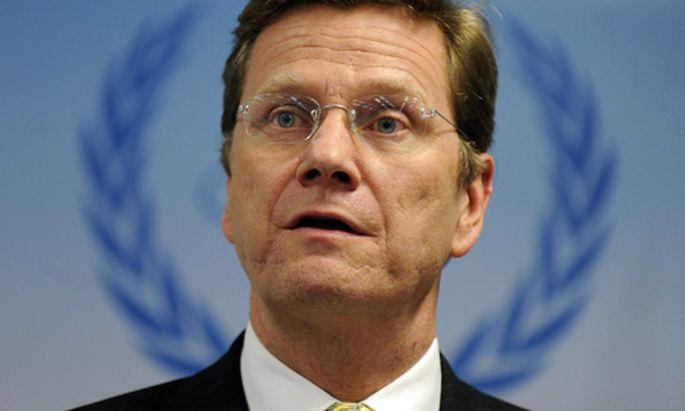 Deutschlands Außenminister Guido Westerwelle nimmt Schweiz in Schutz
