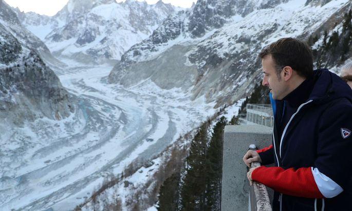 Die deutsch-französische Zukunft dürfte eher steinig werden: Macron – hier mit Blick auf einen Gletscher bei Chamonix – drängt auf Reformen, Merkel bremst.