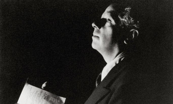 """Die """"vollkommene optische und akustische Vision"""" des Regisseurs: Max Reinhardt mit Regiebuch."""