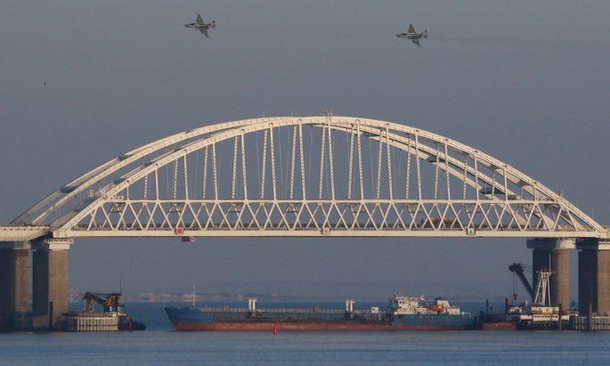 Russland verstärkt sein Militär auf der annektierten Halbinsel Krim.