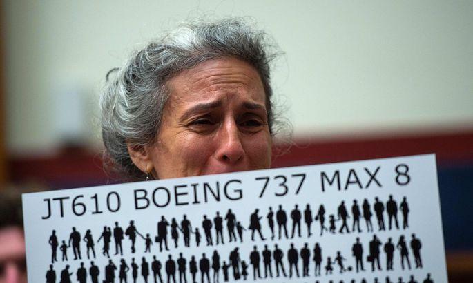 Seit dem zweiten Absturz einer 737 Max steht Boeing unter massiver Kritik.