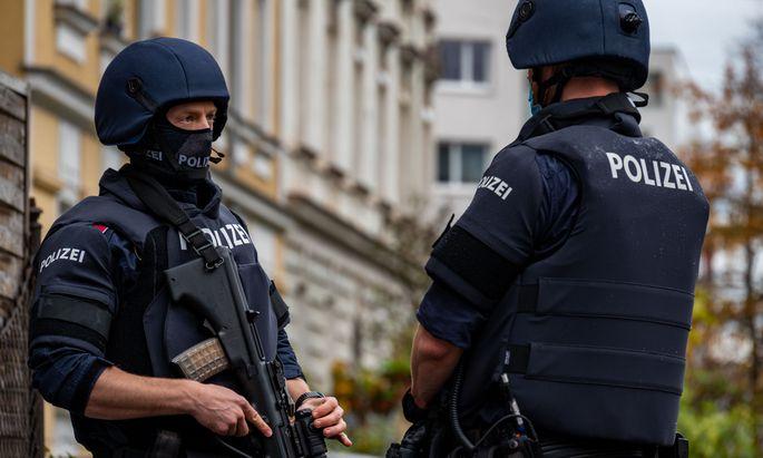 Mehrere Hundert Beamte waren und sind wegen des Anschlags im Einsatz.