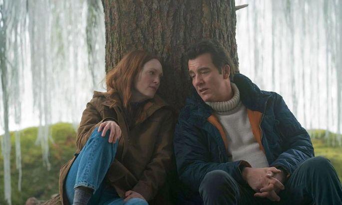 Julianne Moore und Clive Owen.