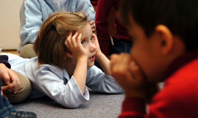 Kindergarten Maenner werden durch