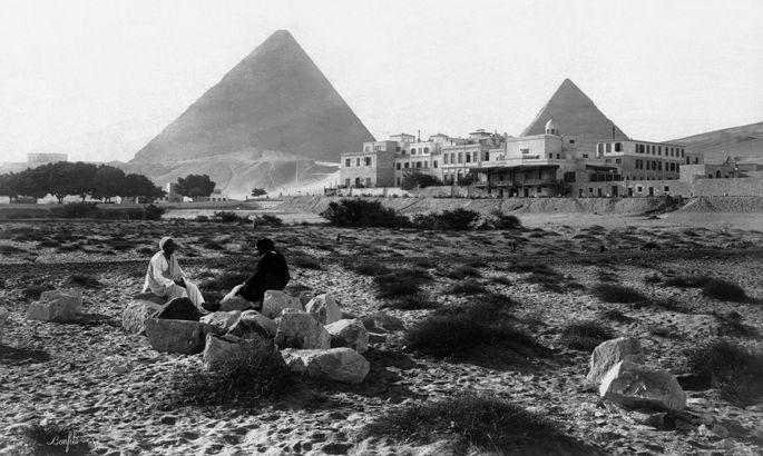 Das Marriott Mena House (ehemals Mena House) nahe den Pyramiden von Gizeh.