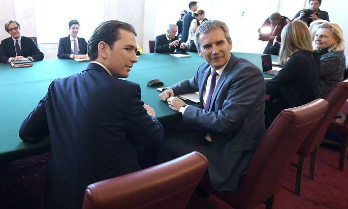 Kanzler Kurz mit seinem damaligen Finanzminister