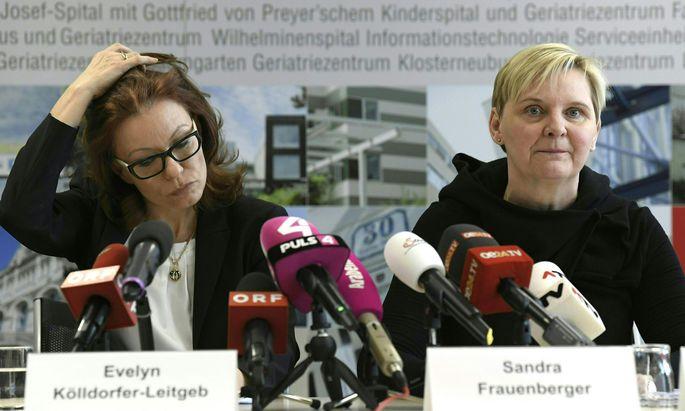 Stadträtin Frauenberger (r.) und Vize-KAV-Generaldirektorin Kölldorfer-Leitgeb.