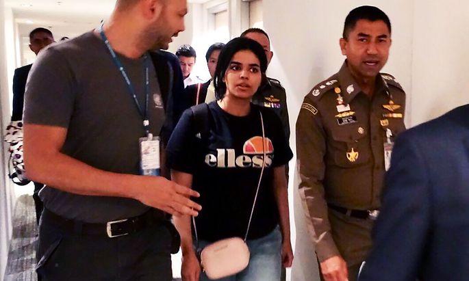 Rahaf Mohammed al-Qunun auf einem Bild der thailändischen Berhörden am Flughafen Suvarnabhumi in Bangkok.