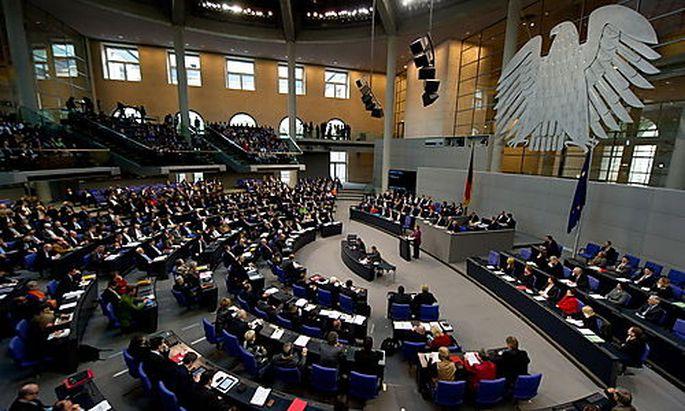 Die deutsche Regierung benötigt zur Einrichtung des ESM eine Zweidrittelmehrheit