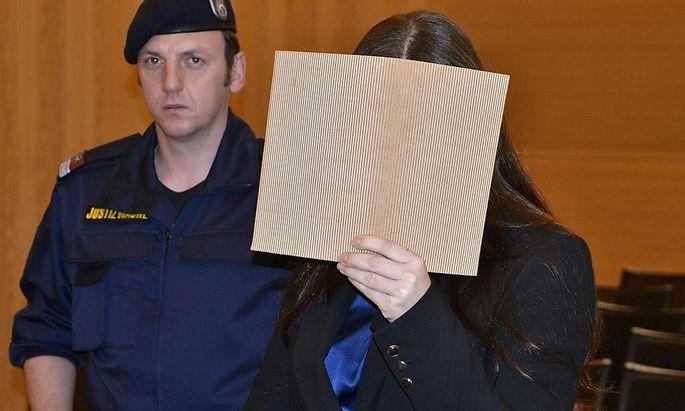 Die Angeklagte am Dienstag vor Gericht