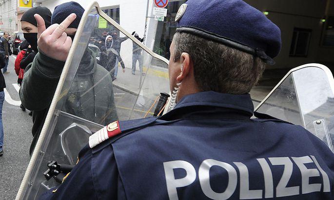Die Wiener Polizei steht nach ihrem Einsatz am Samstag in der Kritik.