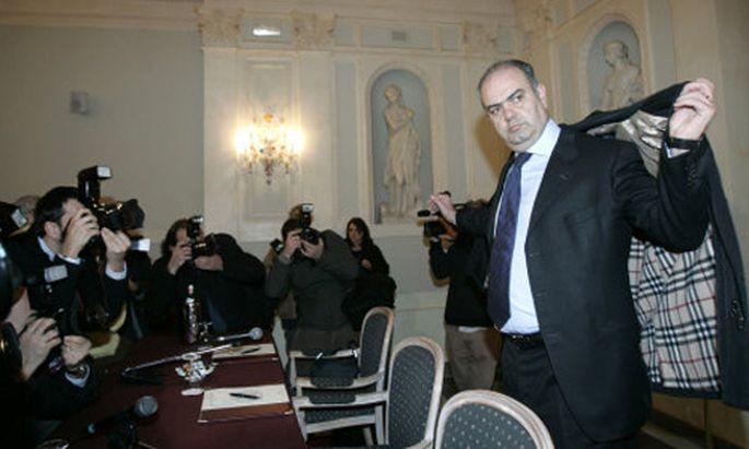 MafiaVorwuerfe Italienischer Senator tritt