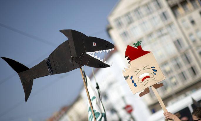 """Berlin kämpft gegen """"Miethaie"""": Doch der Mietendeckel verschärft die Wohnungsknappheit, sagt Ökonom Weimann."""