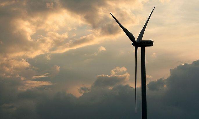 THEMENBILD-PAKET: STROM / ALTERNATIVE ENERGIE - WINDRAD