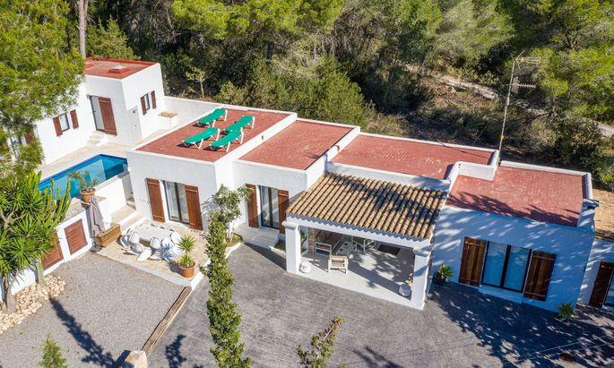 Die Villa aus dem Ibiza-Video.