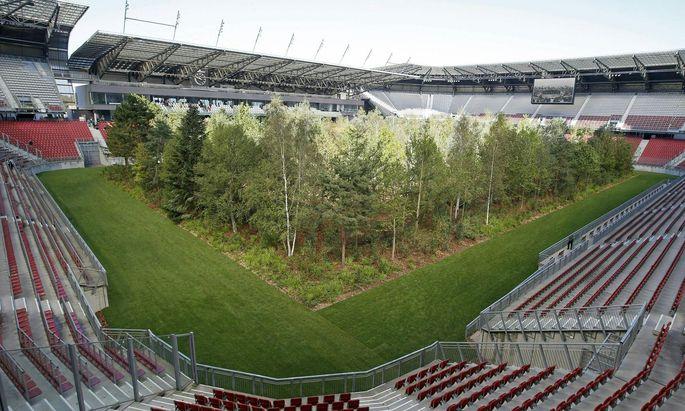 """Kunstinstallation """"For Forest"""" im Klagenfurter Stadion"""