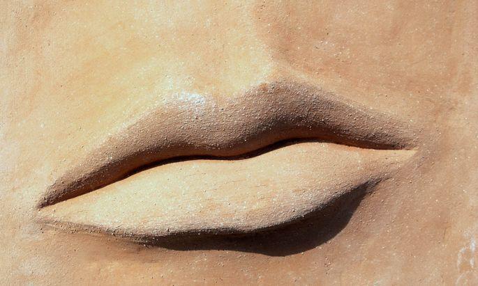 Mund einer Statue