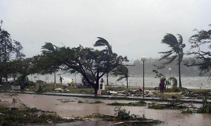 """Ein Bild aus Port Vila auf Vanuatu im März 2015, nachdem Kategorie-Fünf-Zyklon """"Pam"""" die Insel verwüstet hat."""