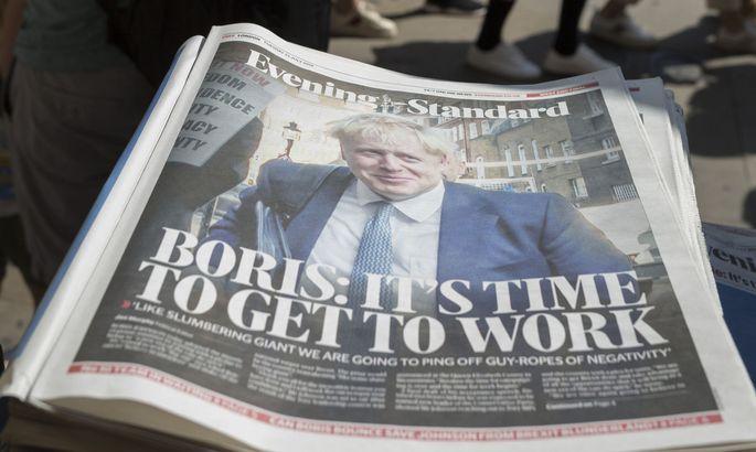 Schon öfter haben britische Blätter Boris Johnson zur Arbeit ermahnt. Derzeit wäre dieser Rat für den Premier äußerst dringend.