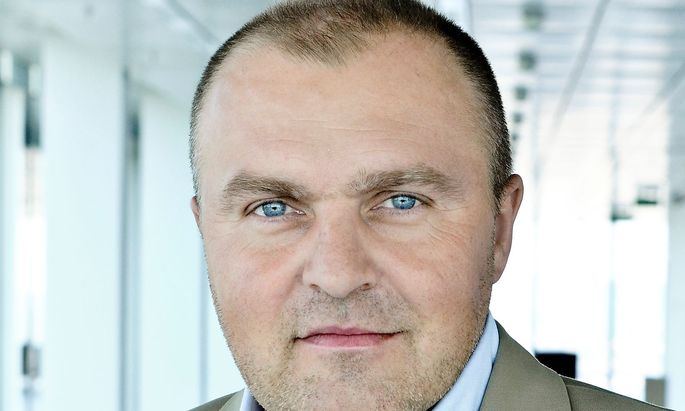 ARCHIVBILD: ARNOLD SCHIEFER AB APRIL 2013 NEUER ALPINE-CEO