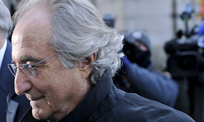 Bernard Madoff wird des Milliardenbetrugs beschuldigt.