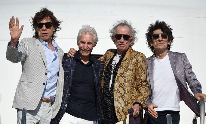 """""""The drummer thinks that he's dynamite"""", singt Mick Jagger in """"If You Can't Rock Me"""". Das passt nicht gut zum bescheidenen Charlie Watts (zweiter von links)."""