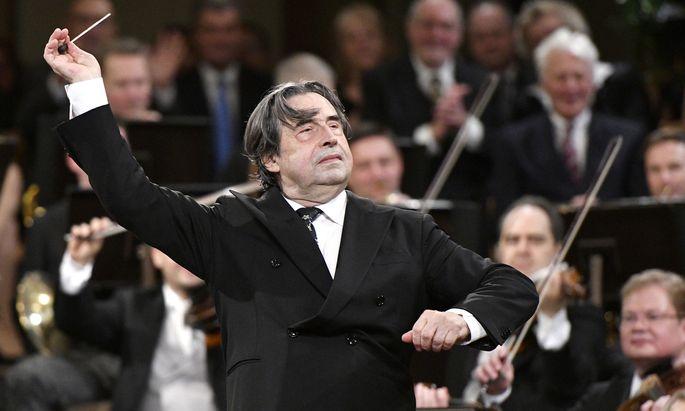 Der Maestro in Aktion: Riccardo Muti beim Neujahrskonzert 2018. Am nächsten 1. Jänner wird er es zum sechsten Mal dirigieren.