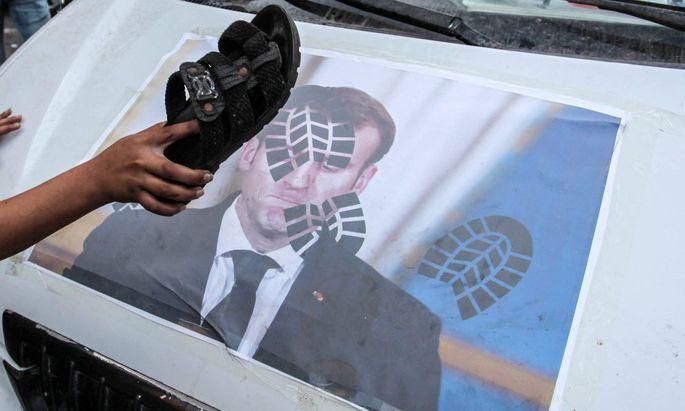 Wut auf Macron: Hintergrund der Cyberattacke dürften Aussagen des französischen Präsidenten sein.