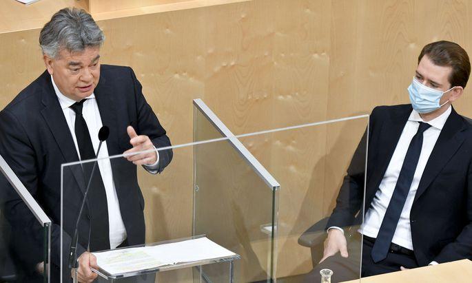 Vizekanzler Werner Kogler (Grüne) und Bundeskanzler Sebastian Kurz (ÖVP)