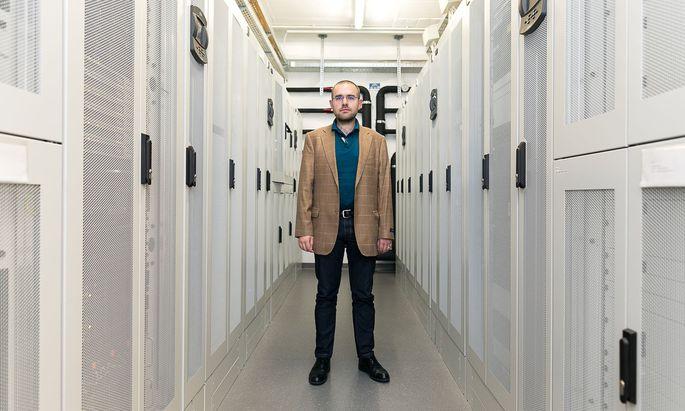 Auf Basis thermodynamischer Theorien kann Jesús Carrete Montaña den Verlauf des Wärmetransports von zahlreichen Materialien berechnen.