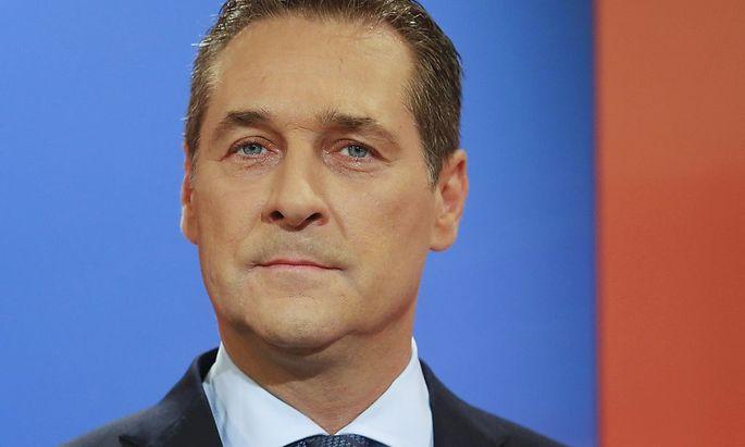 FPOe party leader Strache attends TV debate between presidential candidates Hofer and Van der Bellen in Vienna