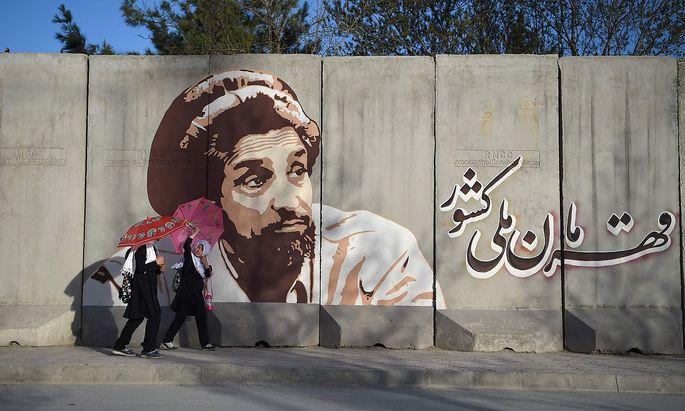 Das Bild von Ahmad Massud war bis zur Eroberung des Landes durch die Taliban in vielen Regionen Afghanistans präsent.