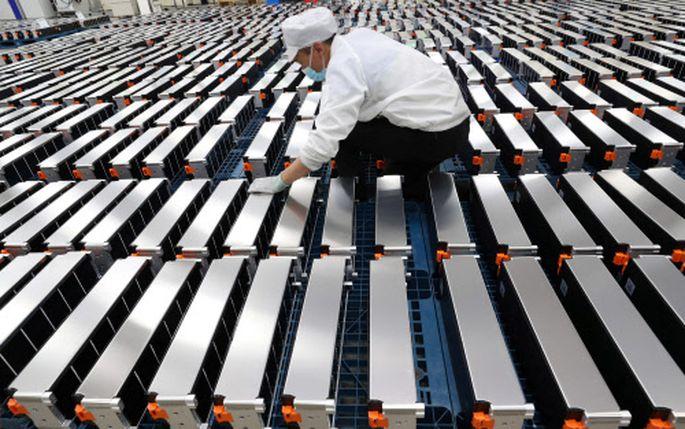 Für die Produktion von E-Auto-Batterien - hier eine Aufnahme aus China - braucht es vor allem Lithium.