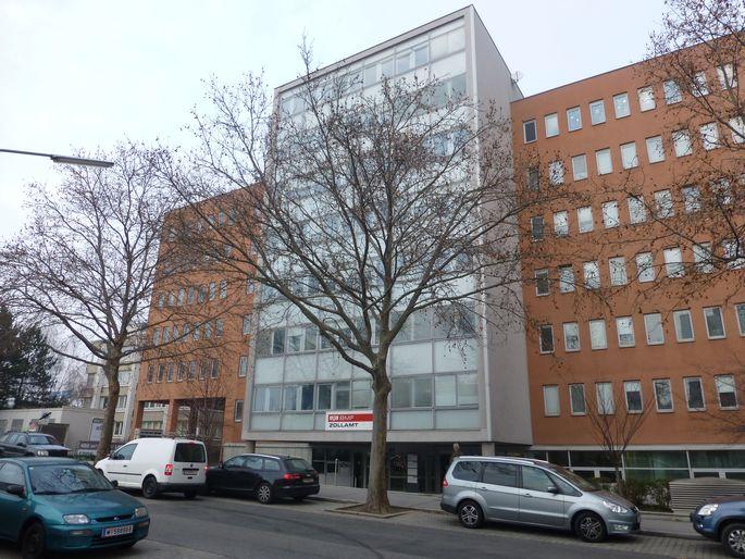 Achtgeschoßiges Gebäude in der Brehmstraße 14 wechselt von deutschem zu Luxemburger Fonds.