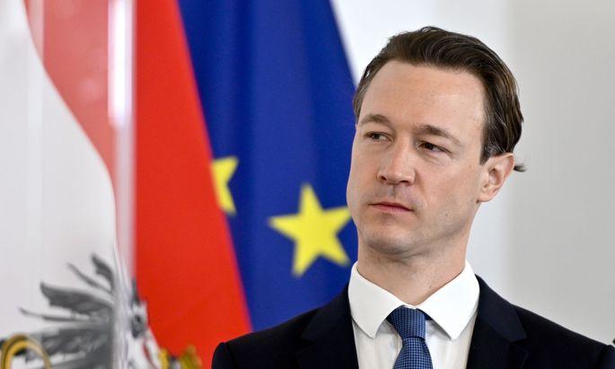 """""""Im Nachhinein ist man immer gescheiter"""": Finanzminister Gernot Blümel (ÖVP) verteidigt sich und das jüngste Vorgehen rund um die Aktenlieferung an den Untersuchungsausschuss."""