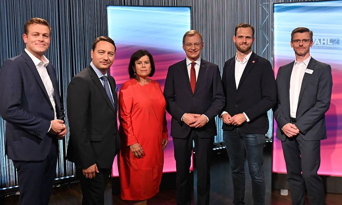 Zwischen den Parteien bei der Landtagswahl in Oberösterreich gab es auch diesmal regen Austausch.