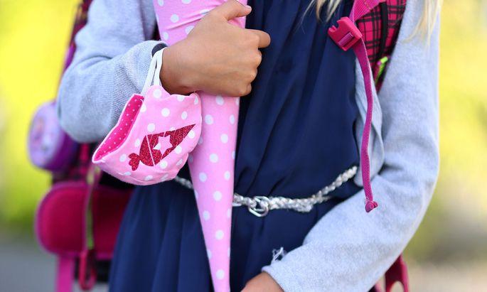 Lüftungsanlagen in Schulen könnten das Infektionsrisiko deutlich vermindern, sagen Experten.