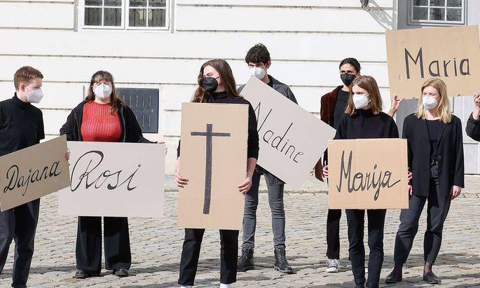 Die SPÖ-Frauen bei einer Demo für mehr Gewaltschutz für Frauen im Mai.